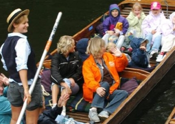 2122-scudamores-punting-1